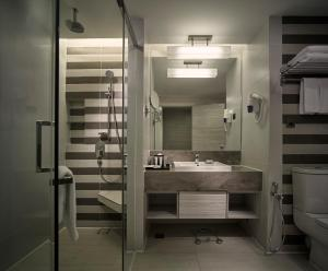 A bathroom at Sunway Putra Hotel, Kuala Lumpur