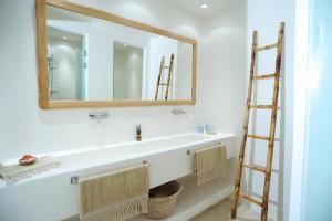 Łazienka w obiekcie Lidia Villa