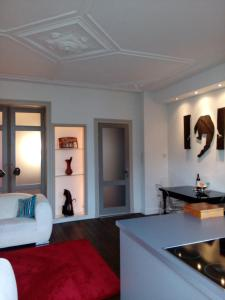 Een keuken of kitchenette bij Short stay Appartement Dependance Rotterdam