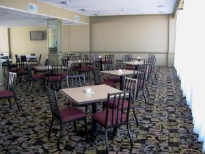 A restaurant or other place to eat at Best Western Corpus Christi