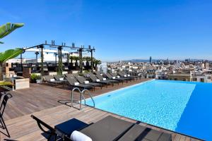 The swimming pool at or near Grand Hotel Central, Small Luxury Hotels