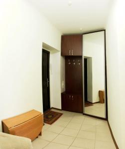 Телевизор и/или развлекательный центр в 1-room Apartment in city Centre on Maksima Gorkogo street 83