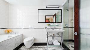 A bathroom at Walker Hotel Greenwich Village