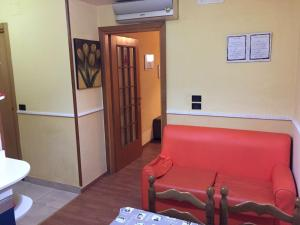 A seating area at Bed&Books Apartment