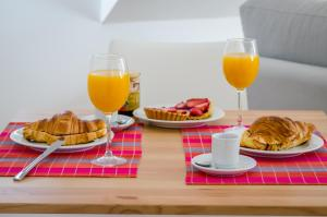 Breakfast options available to guests at Casas da Baixa - Casinhas da Mouraria