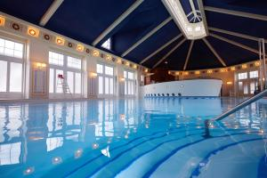 The swimming pool at or close to Disney's Newport Bay Club®