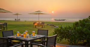 A restaurant or other place to eat at Heritance Negombo - Level 1 Certified
