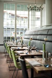 Een restaurant of ander eetgelegenheid bij Inntel Hotels Amsterdam Zaandam