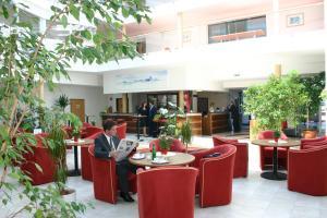 Ein Restaurant oder anderes Speiselokal in der Unterkunft Hotel GIP