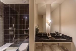 A bathroom at Dear Lisbon - Palace Chiado Suites