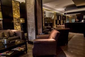 The lobby or reception area at Lennox Ushuaia