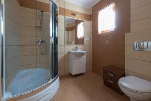 Łazienka w obiekcie Willa Czaruś
