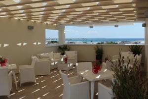 A restaurant or other place to eat at Hotel Perla Dello Ionio