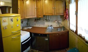 A kitchen or kitchenette at B&B Donatella