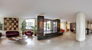 The lobby or reception area at Ramada Istanbul Grand Bazaar