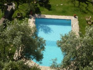 Θέα της πισίνας από το Byzantion Hotel  ή από εκεί κοντά