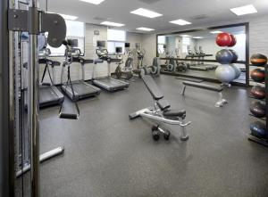 The fitness center and/or fitness facilities at Courtyard by Marriott San Antonio Six Flags at The RIM