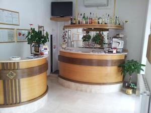 The lounge or bar area at Eco-Hotel Edy