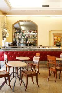 Zona de lounge sau bar la Hotel Terminal
