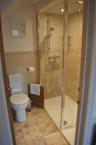 A bathroom at Chantry Hotel