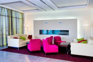 Гостиная зона в Отель Амбассадор Калуга