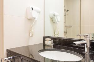 A bathroom at Ibis Al Barsha