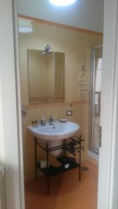 A bathroom at B&B Verdi