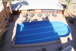 A view of the pool at Hotel La Vallée or nearby