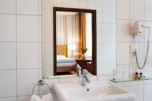 A bathroom at Hotel Gryf