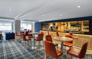 The lounge or bar area at Jurys Inn Inverness