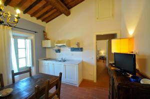 A kitchen or kitchenette at Agriturismo San Rocco