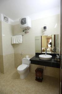 A bathroom at Royal Hotel Ha Giang
