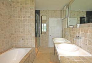 A bathroom at Westcombe Park