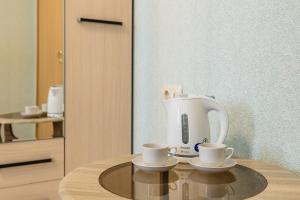 Coffee and tea making facilities at Марли