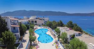 Uitzicht op het zwembad bij Bodrum Holiday Resort & Spa of in de buurt