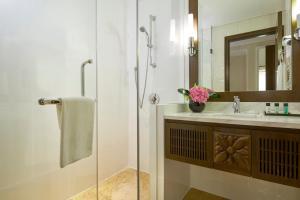 Ein Badezimmer in der Unterkunft Rendezvous Hotel Singapore by Far East Hospitality (SG Clean)