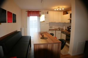 Küche/Küchenzeile in der Unterkunft Ferienwohnung Weinberg