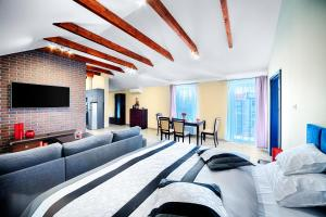 A seating area at Apartamenty Salt Delux