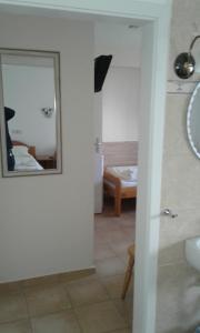 A bathroom at Wanderlust Hostel
