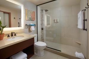 Um banheiro em Eagle Aruba Resort & Casino