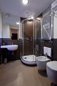 Un baño de Hotel Gravina San Pietro