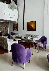 Un lugar para sentarse en Plaza Hotel
