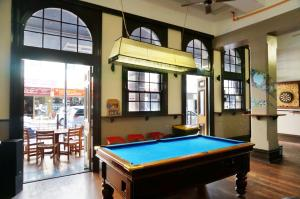 A pool table at Sundancer Backpackers Hostel