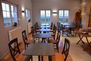 Een restaurant of ander eetgelegenheid bij PS Orion