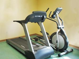The fitness center and/or fitness facilities at Extended Stay America Suites - Cincinnati - Covington