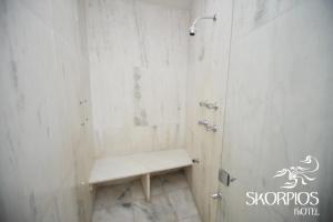 Um banheiro em Motel Skorpios ( Adults only)
