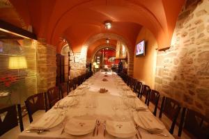 Un restaurante o sitio para comer en Los Usías