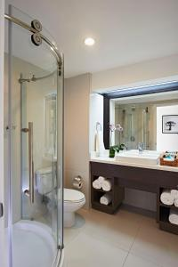A bathroom at Coconut Bay Beach Resort & Spa All Inclusive