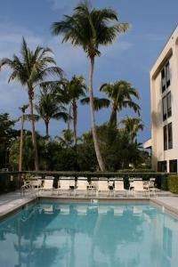 The swimming pool at or close to Hampton Inn Naples-Central