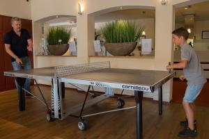 Ping-pong facilities at Strandhotel Bos en Duin or nearby